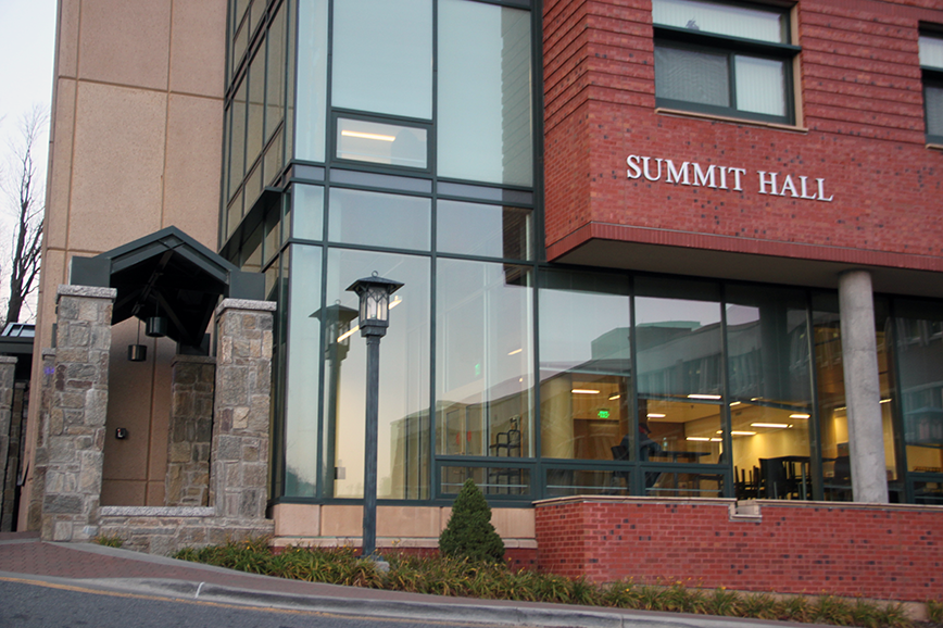 Summit Hall University Housing